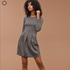 Aritzia Talula Tartine Fit | Flare Stretch Dress 2